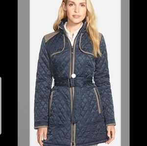 🎉HP🎉 Vince Camuto Quilted Coat